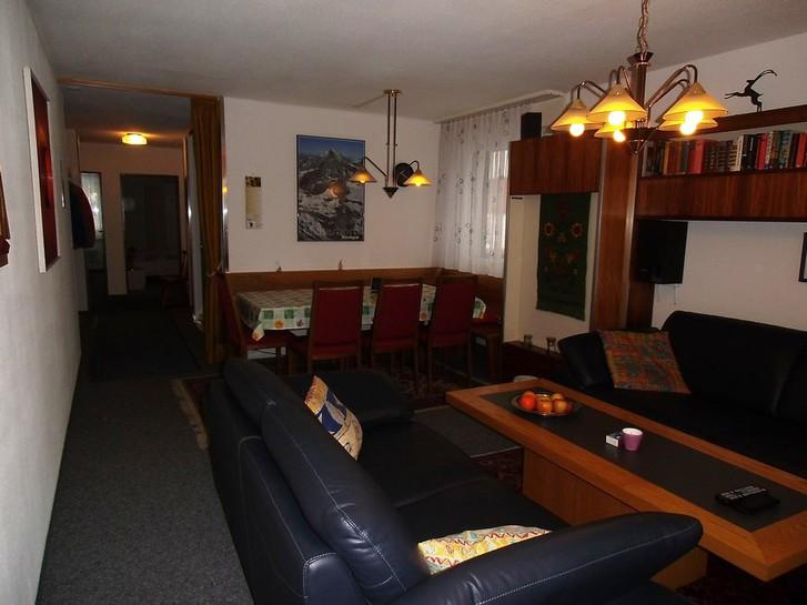 Appartementhaus SIESTA, 3.5 Zimmerwohnung, 2 Balkone, schöne neue Küche 3954 Leukerbad