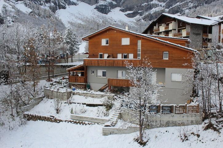 Gemütliches Chalet mit 3 Wohnungen im Zentrum von Leukerbad 3954 Leukerbad