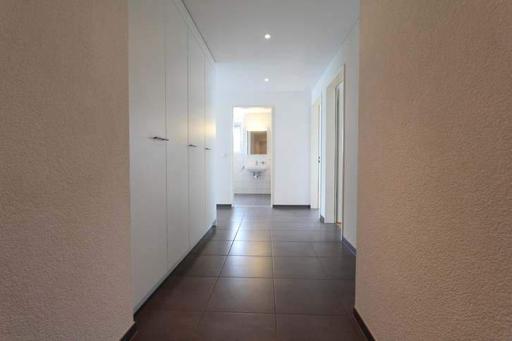 moderne, helle 3.5-Zimmerwohnung 5212 Hausen
