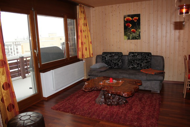 ARCA, helle 2.5-Zimmerwohnung mit grossem Balkon an Skipiste 3954 Leukerbad