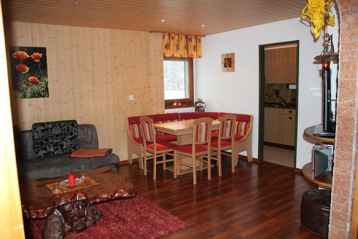 ARCA, helle 2.5-Zimmerwohnung mit grossem Balkon an Skipiste 2