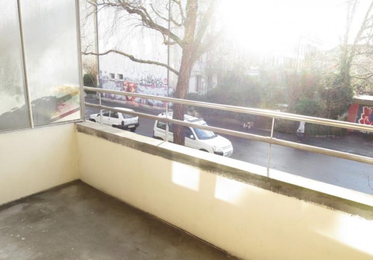 Totalsanierte 1.5-Zimmer-Wohnung mit grosszügigem Balkon! 2