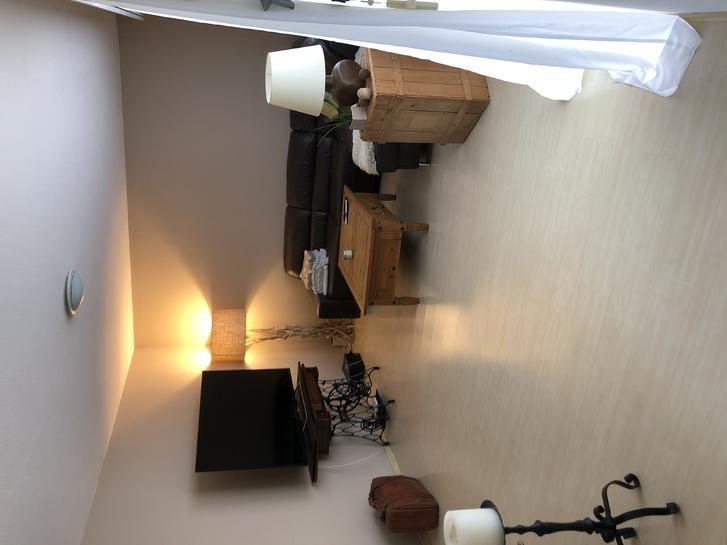 Grosszügige zentral gelegene 3,5 Zimmer Wohnung  2