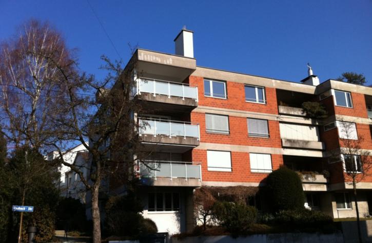 Moderne 1.5-Zimmer-Wohnung mit Balkon! 8044 Zürich