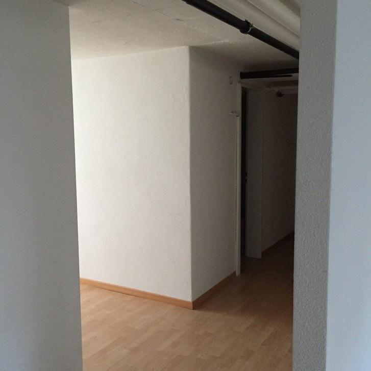 Grossraum  für Büro/ Kosmetik/  Lager etc. 2
