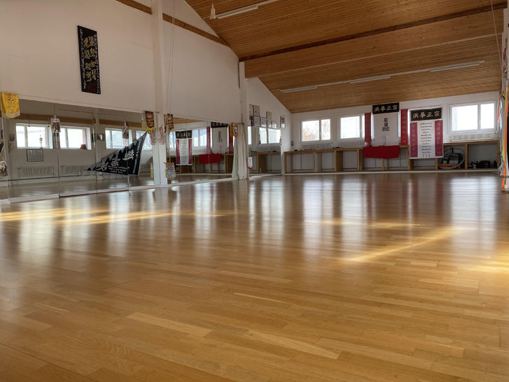 160 m2 Trainingsraum, Fitness, Tanzsaal, Yoga, Personal Training 2