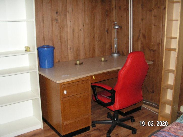 1 Zimmer in kleiner WG 4
