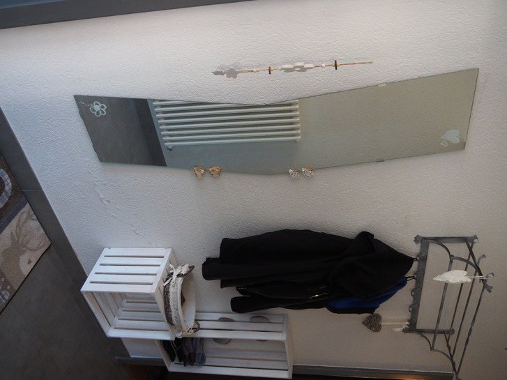 Einzelzimmer im EG eines Wohnhauses, gemeinsam genutztes Bad, keine Küche 3