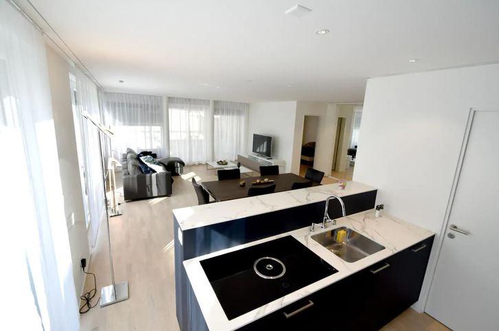 Topmoderne 2.5 Zi-Wohnung an ruhiger und zentraler Lage 2