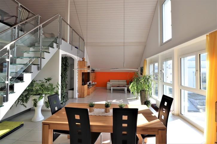 Dachwohnung mit Galerie und Wellnessbereich 2