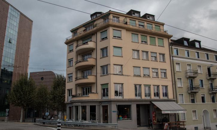 Joli 2.5 pièces au 3ème étage avec balcon 2