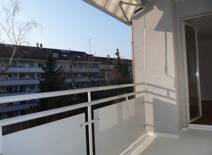 Moderne 1.5-Zimmerwohnung mit einem grossen Balkon! 2