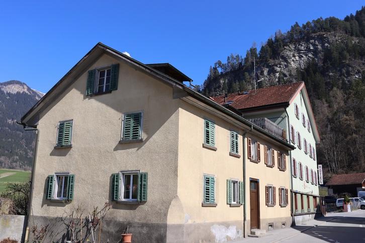 9-Zimmer Doppeleinfamilienhaus 7411 Sils im Domleschg