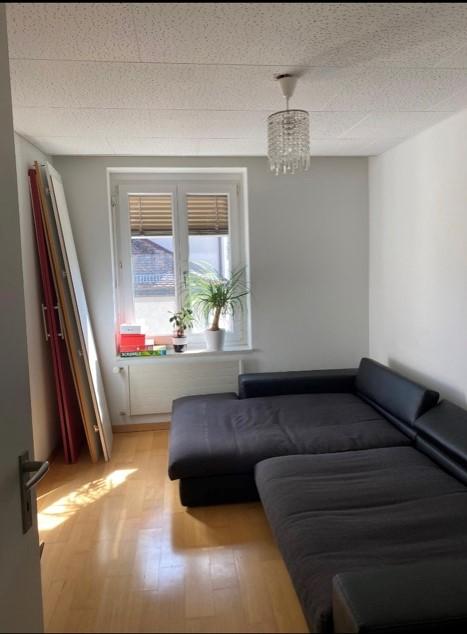 Moderne helle 4,5 Wohnung 2 Gehminuten vom Zentrum SG 3
