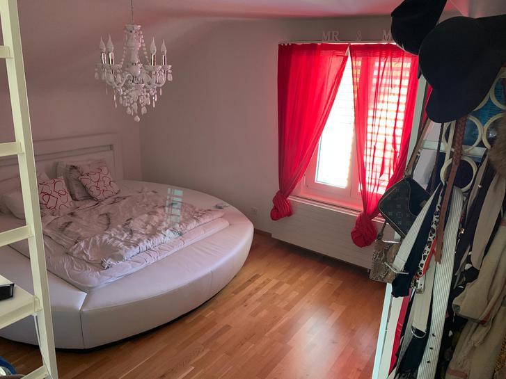 5.5 lichtdurchflutete Maisonette-Wohnung (145 m2) 2