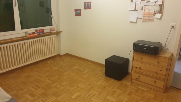Helle, schöne  2 Zimmer Wohnung  4