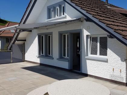 Grosszügige 6-Zi.-Wohnung in älterem, gepflegtem Haus 5044 Schlossrued