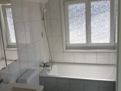 Grosszügige 6-Zi.-Wohnung in älterem, gepflegtem Haus 4