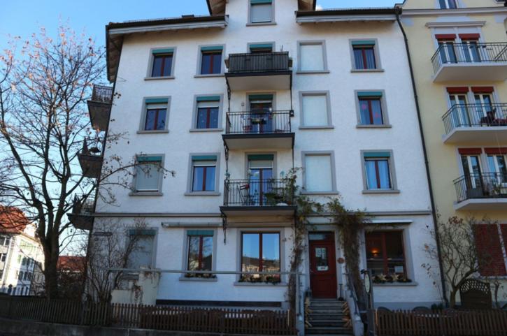 Saubere helle preisgünstige Wohnung ! 9008 St. Gallen