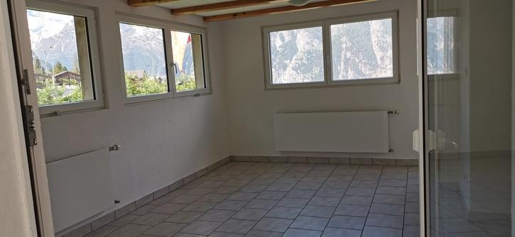 5 1/2 ZW. mit Balkon, Vorplatz, Spielplatz und Garage 4