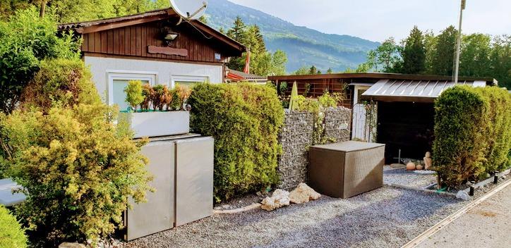 Grosser Umschwung mit 2 Ferienhäuser  6410 Goldau