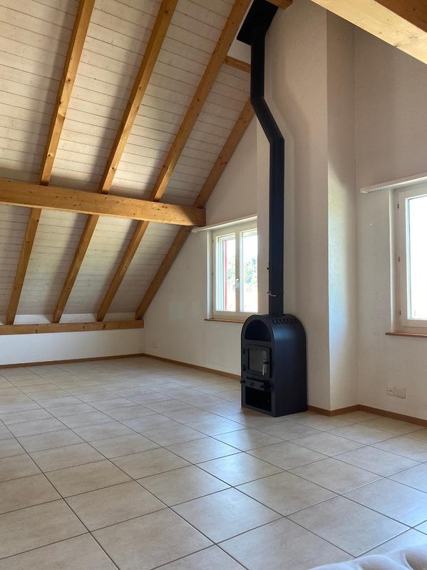 2 ½ Zimmer-Dachwohnung 20 Minuten von Bern 2