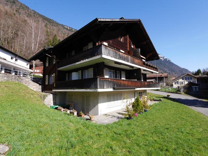 2.5-Zimmer-Wohnung mit PP und Garage und Balkon in Interlaken 3800 Interlaken