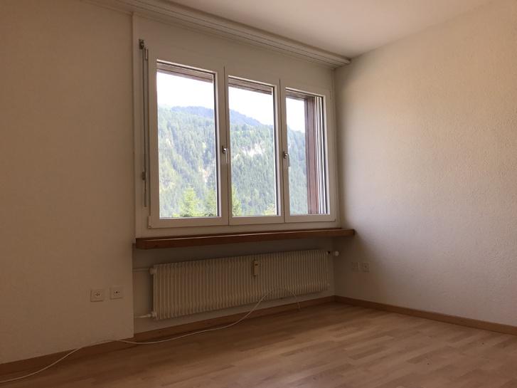 1 5 Zimmer Wohnung in Malix. 4