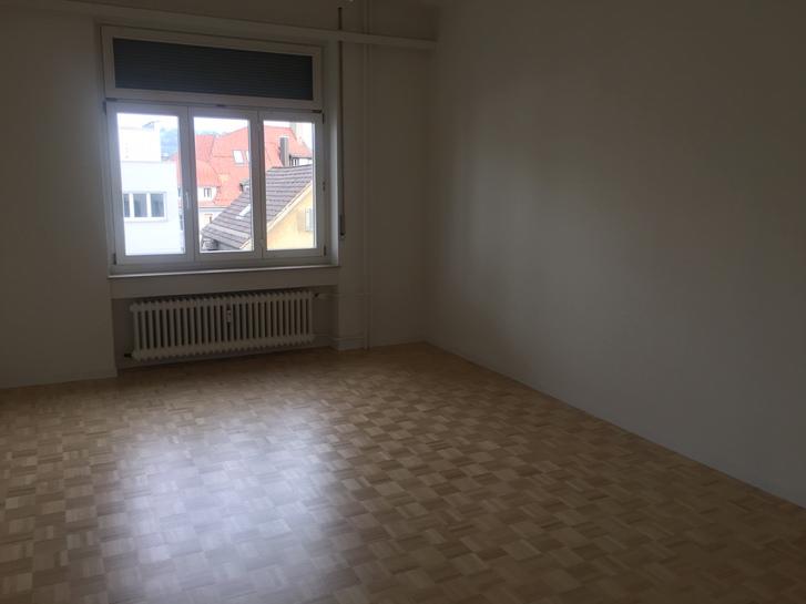 komplett renovierte 3.5 Zimmer Wohnung 3