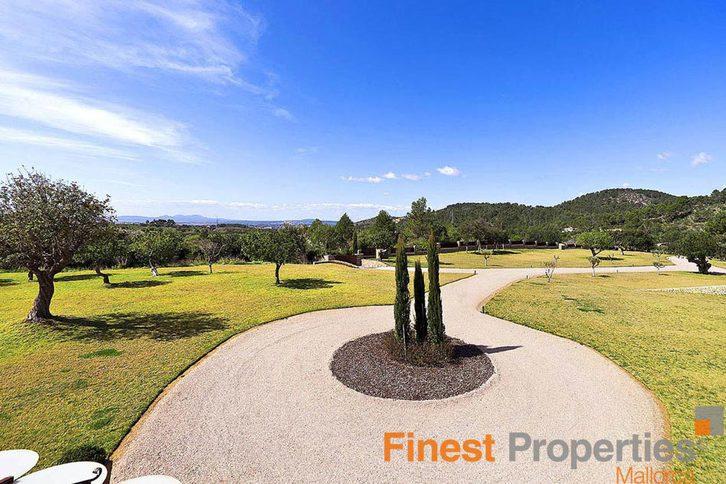 Finca auf Mallorca mit 6 Schlafzimmern zu verkaufen 07183 Costa de la Calma,  Mallorca