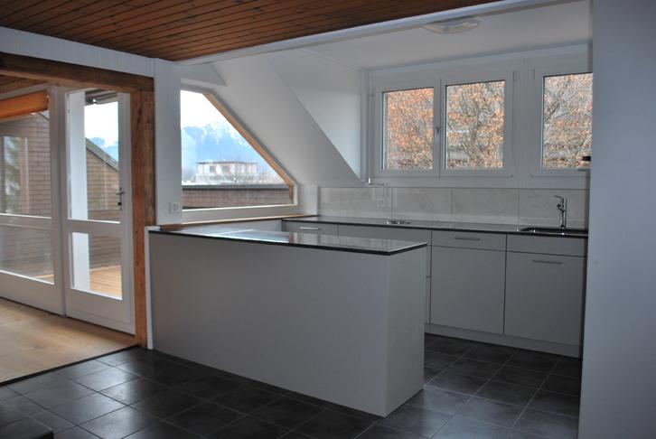 sehr sonnige Dach-Wohnung 107 m2 3