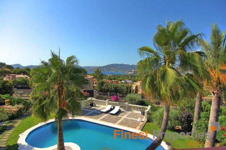 Repräsentative Luxusvilla mit Meerblick in begehrter Lage in Santa Ponsa, Mallorca zu verkaufen 2
