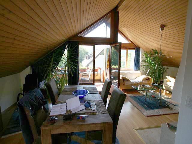 Sonnige Dachwohnung in Ettingen BL mit Sicht auf den Wald 4107 Ettingen