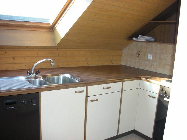 Sonnige Dachwohnung in Ettingen BL mit Sicht auf den Wald 4