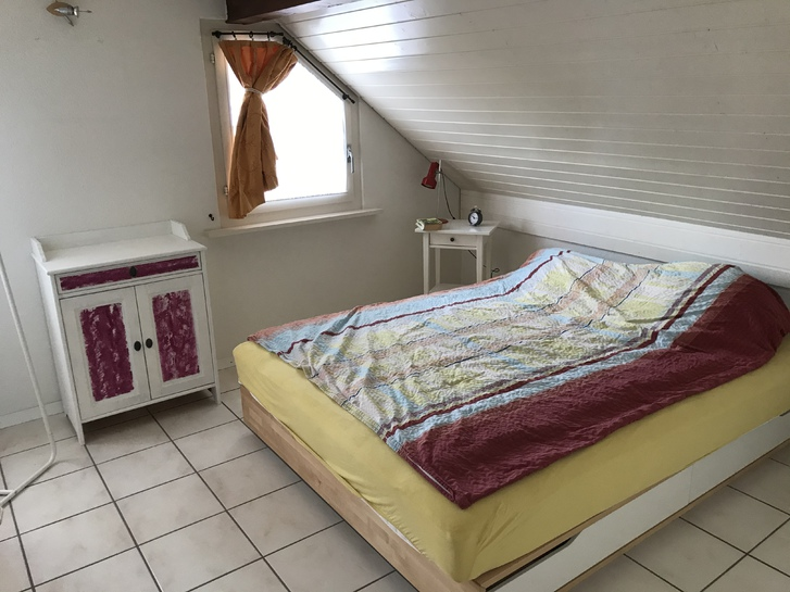 Logement mansardé lumineux à / helle Dachwohnung in Givisiez 3
