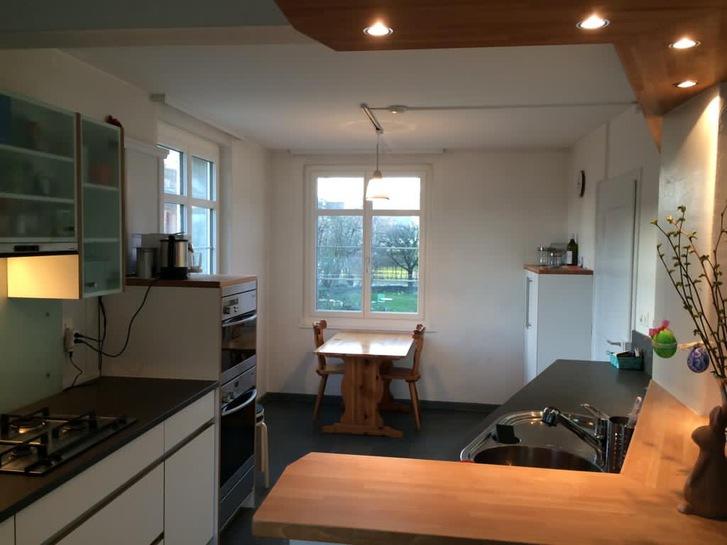 Wunderschönes Zimmer (allenfalls mit Büro) in heimeligem Haus. 3