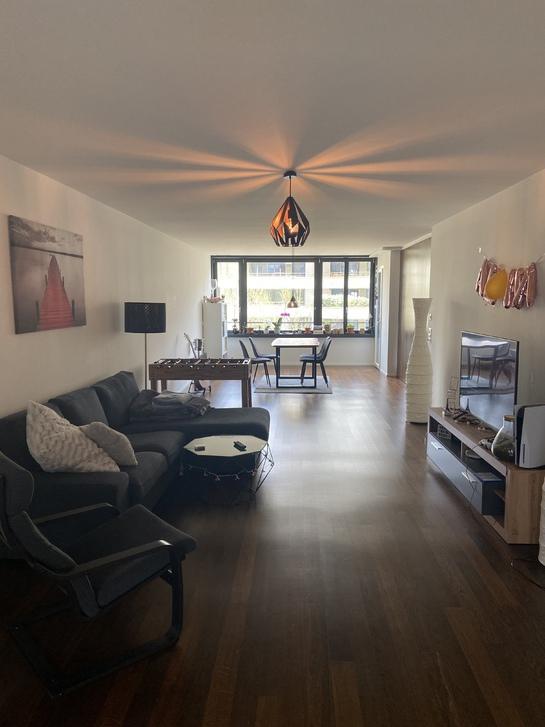 13.8m^2 Zimmer in grosszügiger 3.5 Zimmer Wohnung mit eigenem Bad 8005 Zürich