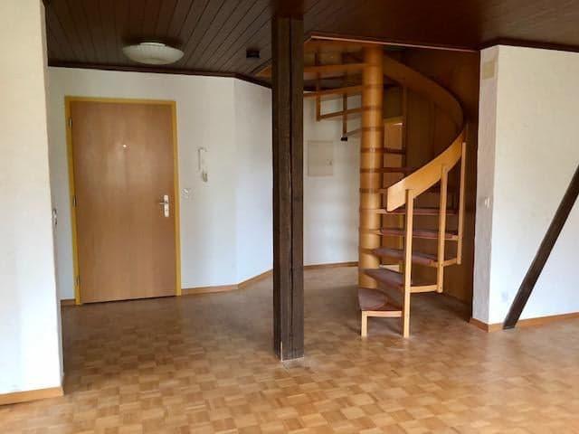 In Hornussen AG Ab sofort.... oder Vereinbahrung günstige 4 1/2 Maisonette-Dachwohnung 2