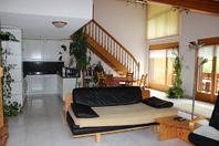GOLF A sehr helle, gepflegte und luxuriöse 4.5 Zimmerwohnung, wie neu, mit Galerie