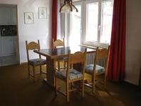 Verkauf: Helle und sehr grosse 2.5-Zimmerwohnung mit zwei Balkonen mit wunderbarem Blick