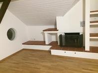 Renovierte 2-Zimmer Dachwohnung