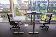 Möblierter Arbeitsplatz in modernem Büro in Zürich-Altstetten zu vermieten