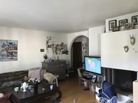 Schöne 3,5 Zimmer Wohnung mit Kamin und großzügigem Balkon