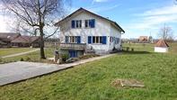 6,5- Zimmerwohnung mit zusätzlichen Hobbyräumen auf Bauernhof