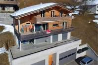 Minergie Haus mit Einliegerwohnung und grossartiger Aussicht