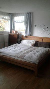 Eine Mobliertes Zimmer-Wohnung in einem schoenen Einfamilienhaus