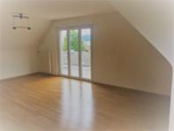 2.5 Zimmer-Dachwohnung mit Garage