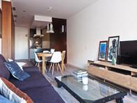 Grosszügige 2 Zimmerwohnung mitten in Zürich mit Blick ins Grüne