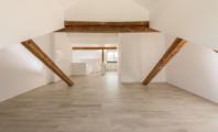 Neue hochwertige Dachwohnung, Aarau