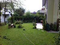 2 1/2 Zimmer Parterrewohnung mit Cheminee, Sitzplatz und grossem Garten